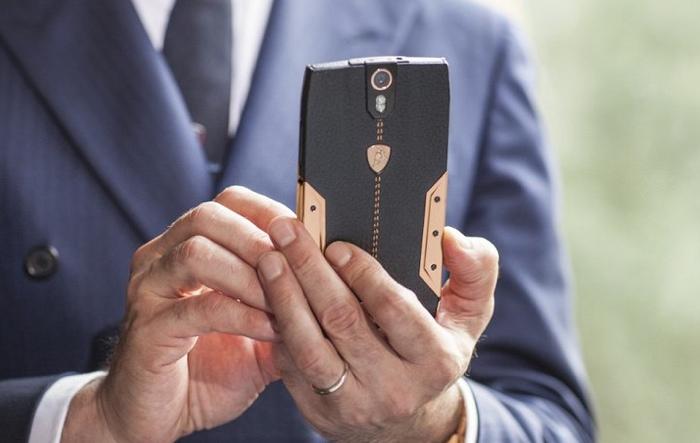 Smartphone Lamborghini Tauri 88
