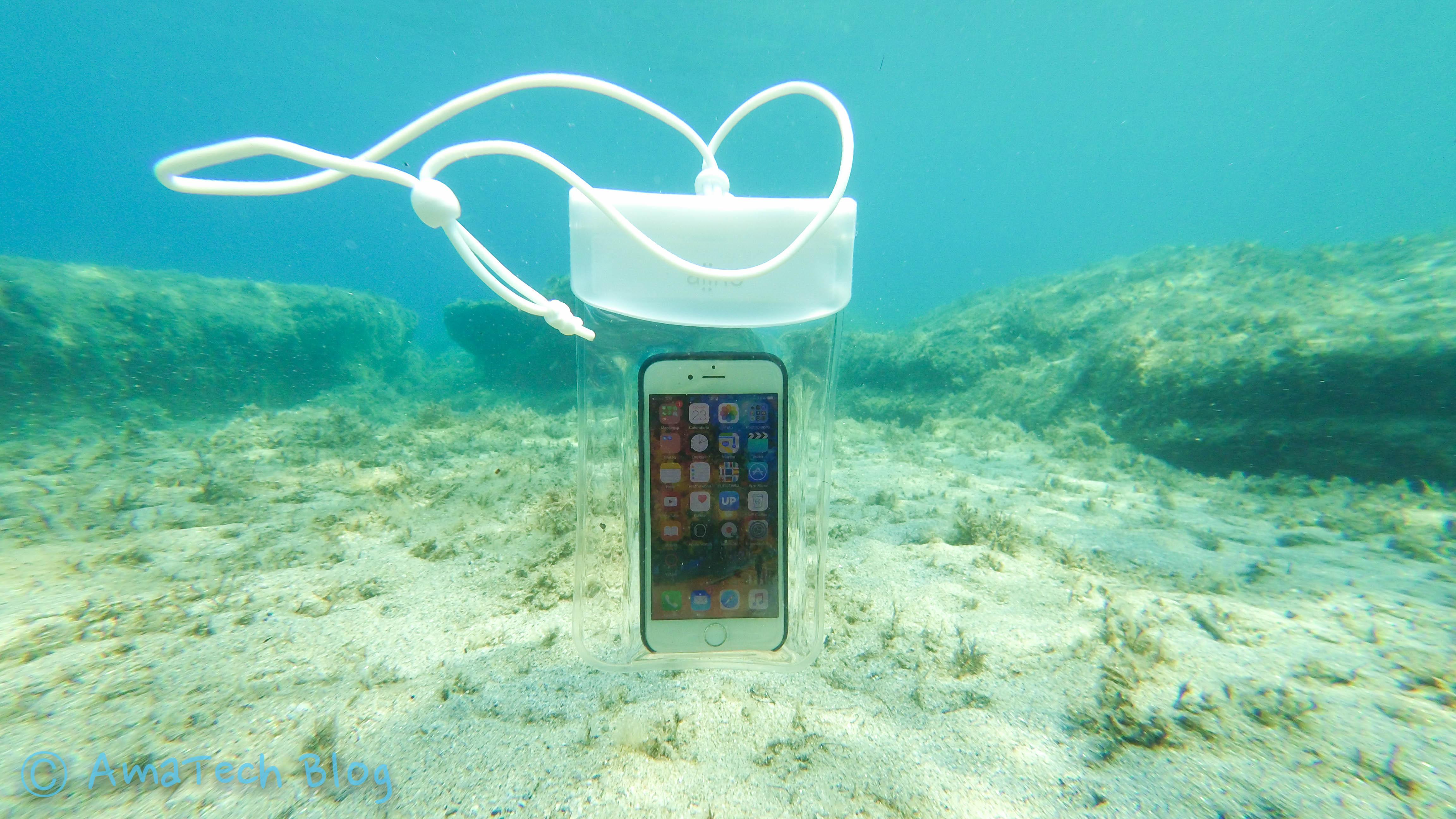 custodia iphone sott'acqua