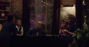 spot Natale 2015 di Apple con Stevie Wonder