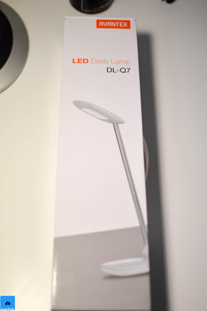 lampada da tavolo LED bianca