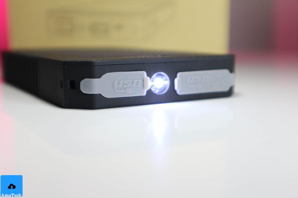 recensione caricabatterie solare aukey