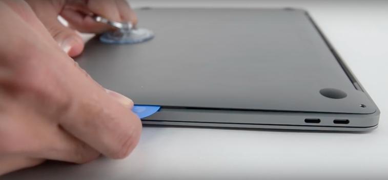 teardown-macbook-pro-2016-difficilissimi-da-riparare-e-aggiornare