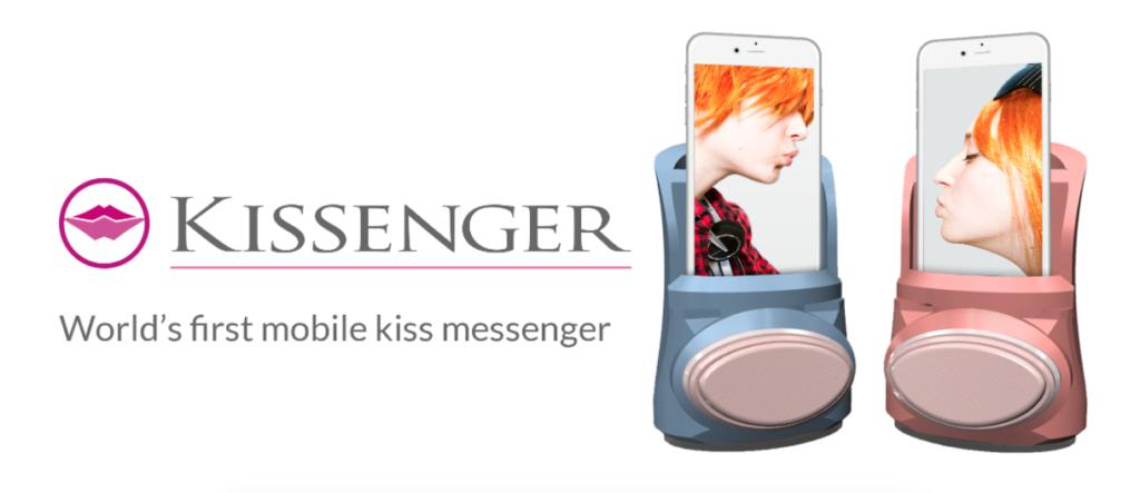 Kissenger il dispositivo che simula un bacio su guancia o labbra