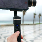 Stabilizzatore versatile per smartphone e action cam