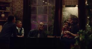 spot Natale 2015 di Apple con Stevie Wonder