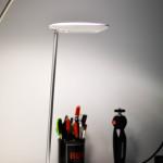 recensione lampada da tavolo LED bianca multifunzione