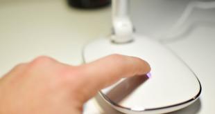 lampada da tavolo LED bianca multifunzione AVANTEK