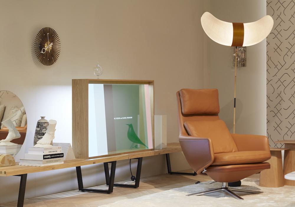 il primo TV OLED Trasparente Panasonic